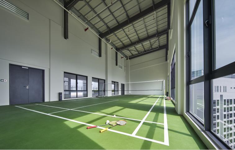 Suasana Utropolis Batu Kawan Badminton Court